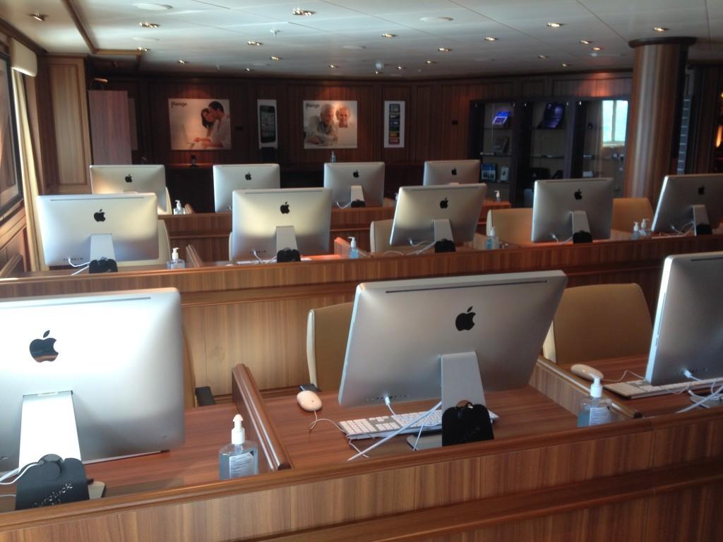 The Apple iStudy connexions room