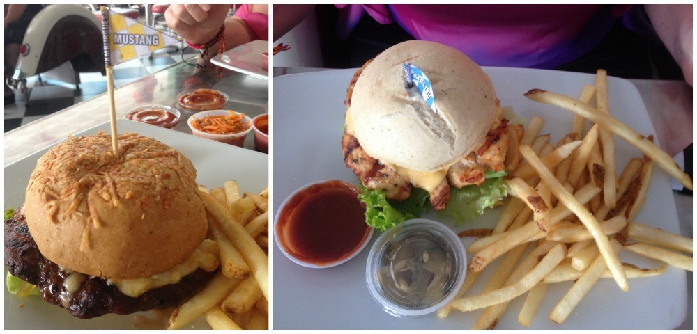 Burgers for lunch at Classic Diner in Envigado