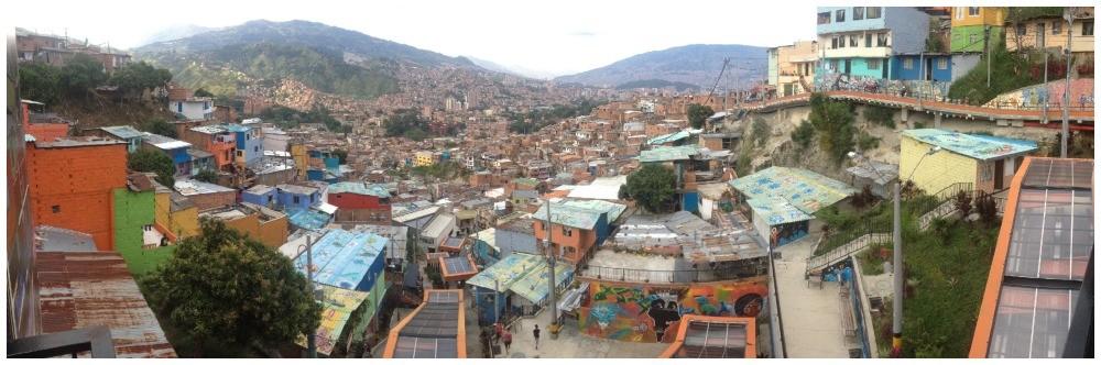Escaleras Electricas panorama in Medellin