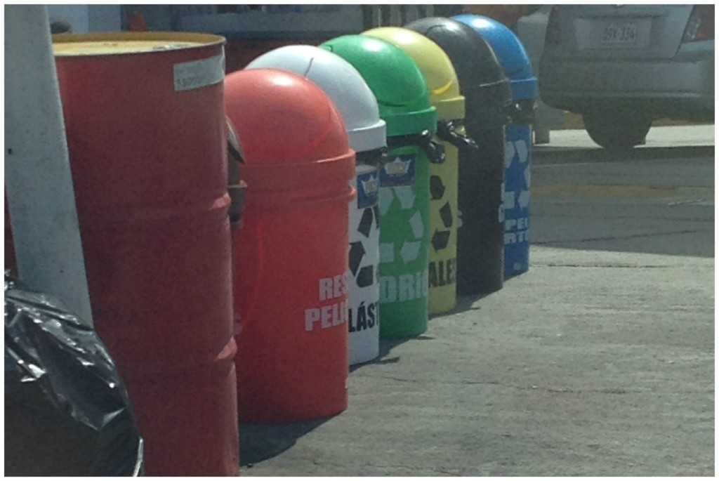 Colour coded recycling in Lima