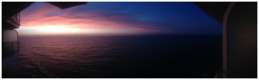 Sun set at sea