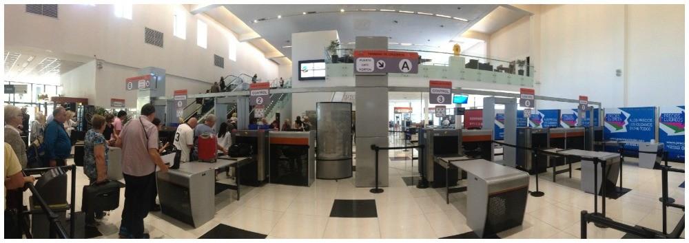 Security point at Benito Quinquela Martin cruise terminal