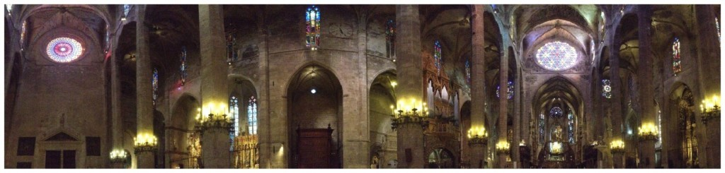 Inside to Cathedral of Mallorca