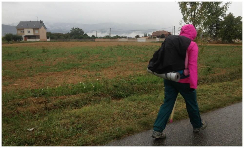 Walking in the rain between Ponferrada and Villafranca del Bierzo