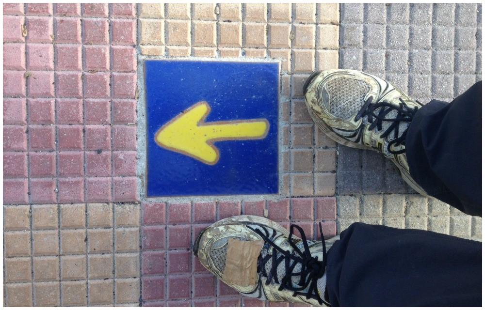 Yellow arrows on the Camino