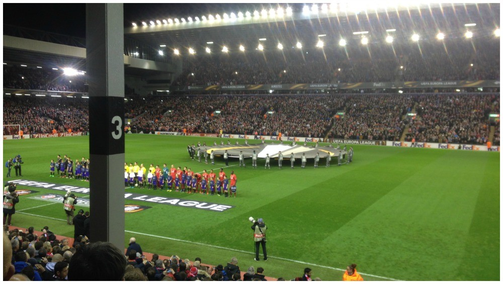 The two teams line up for the Europa League game