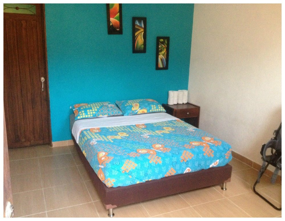 Hostel El Hangar double room with private bath