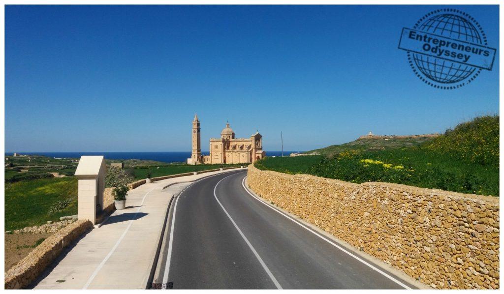 The road to Ta'Pinu
