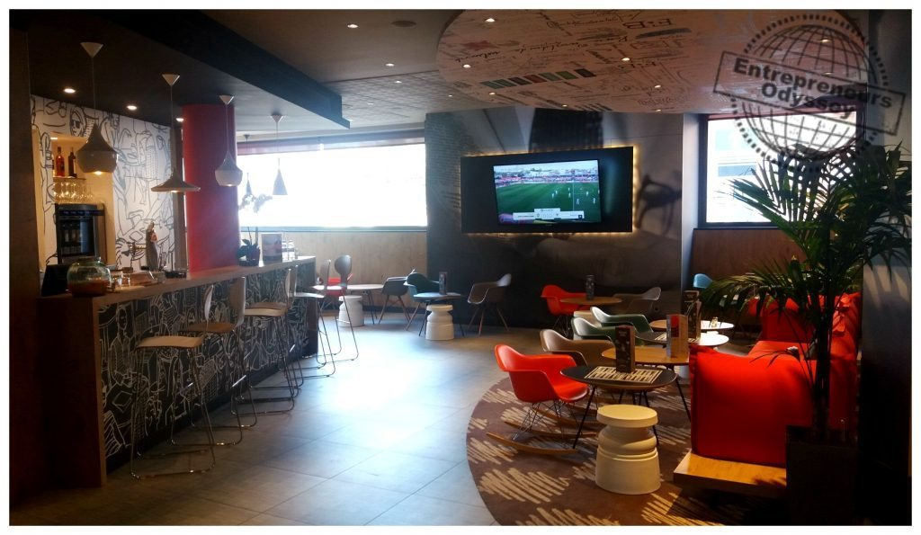 Ibis hotel Madrid airport bar foyer area