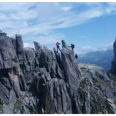 Mountain climbers on the Eggishorn