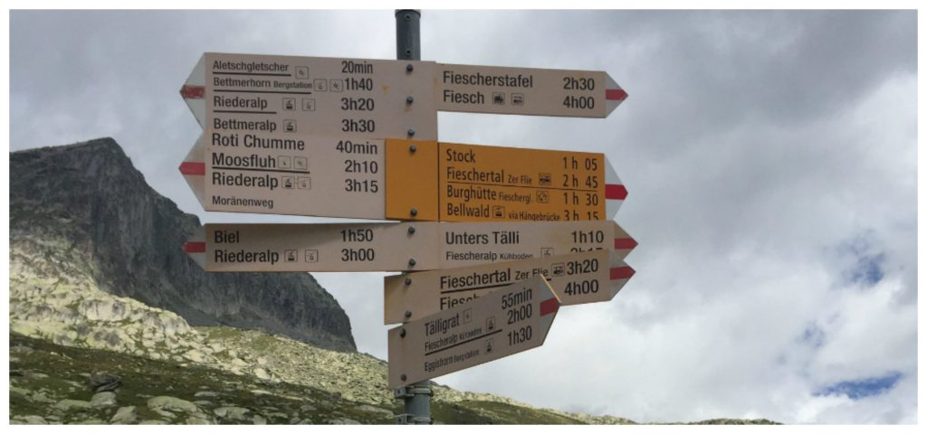 Walking trails listed from the Gletschstube