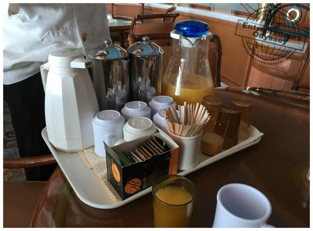 Drinks table service at breakfast in Horizon court