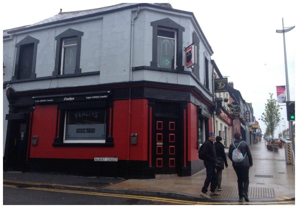Fealtys Pub in Bangor