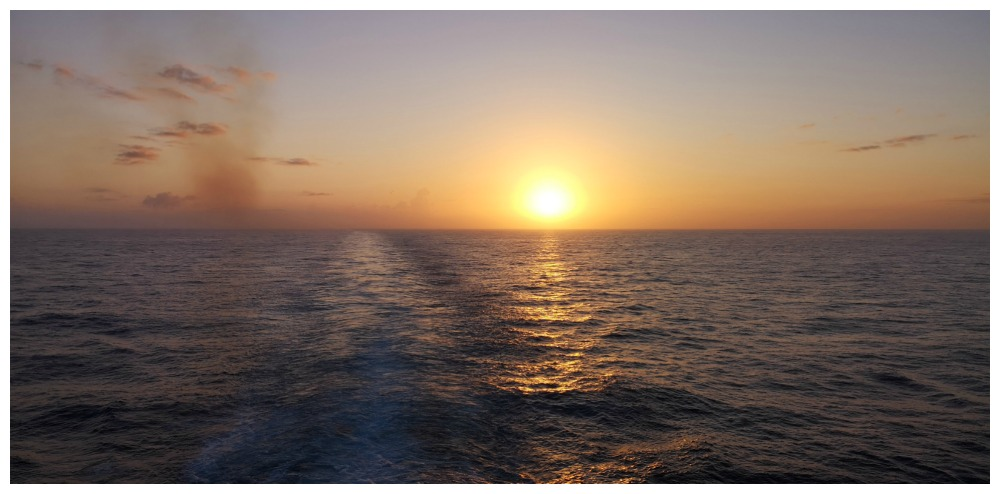 Something wonderfull about sunsets at sea